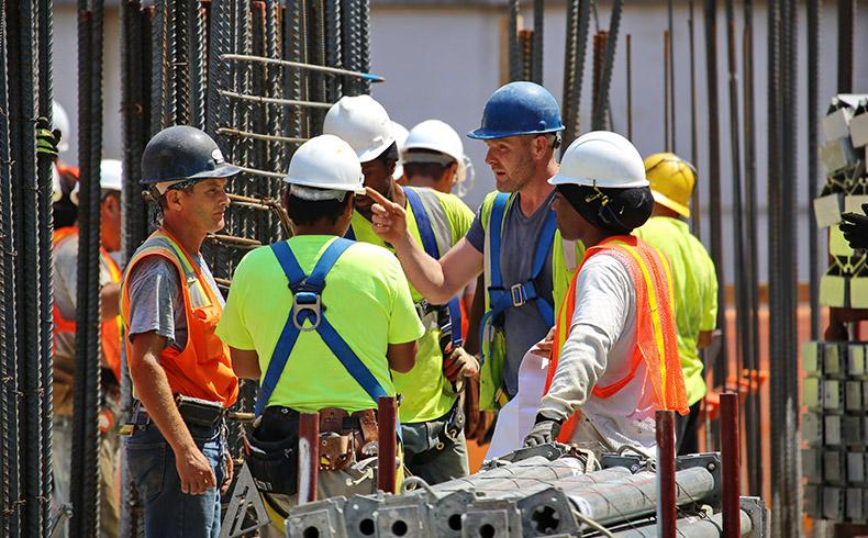 Sesi oferece serviços de segurança e saúde para a indústria da construção civil