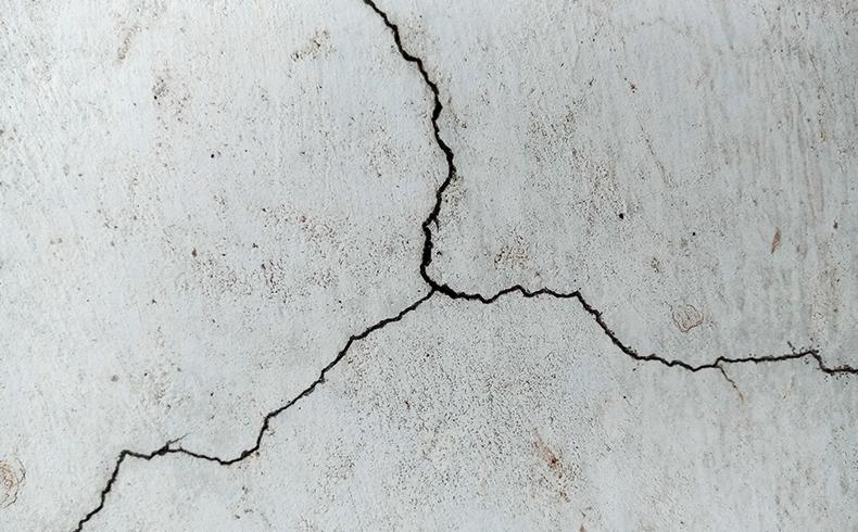 Fissura: como resolver essa patologia em paredes